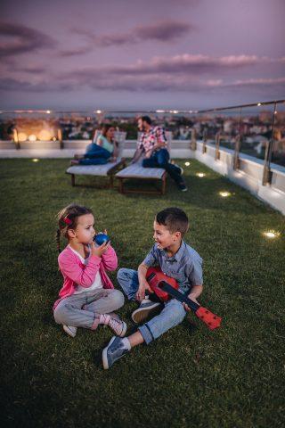 LRCP Djeca na travi
